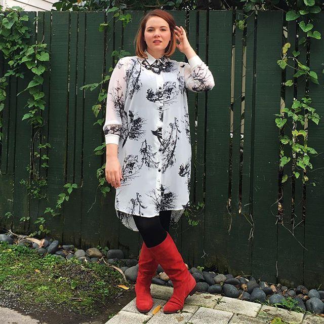 Monochrome Monday...plus bright red boots ;)