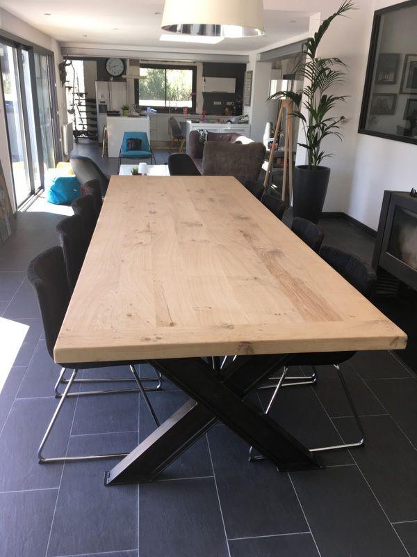 Table style industriel avec pied en x table salle - Table salle a manger acier ...