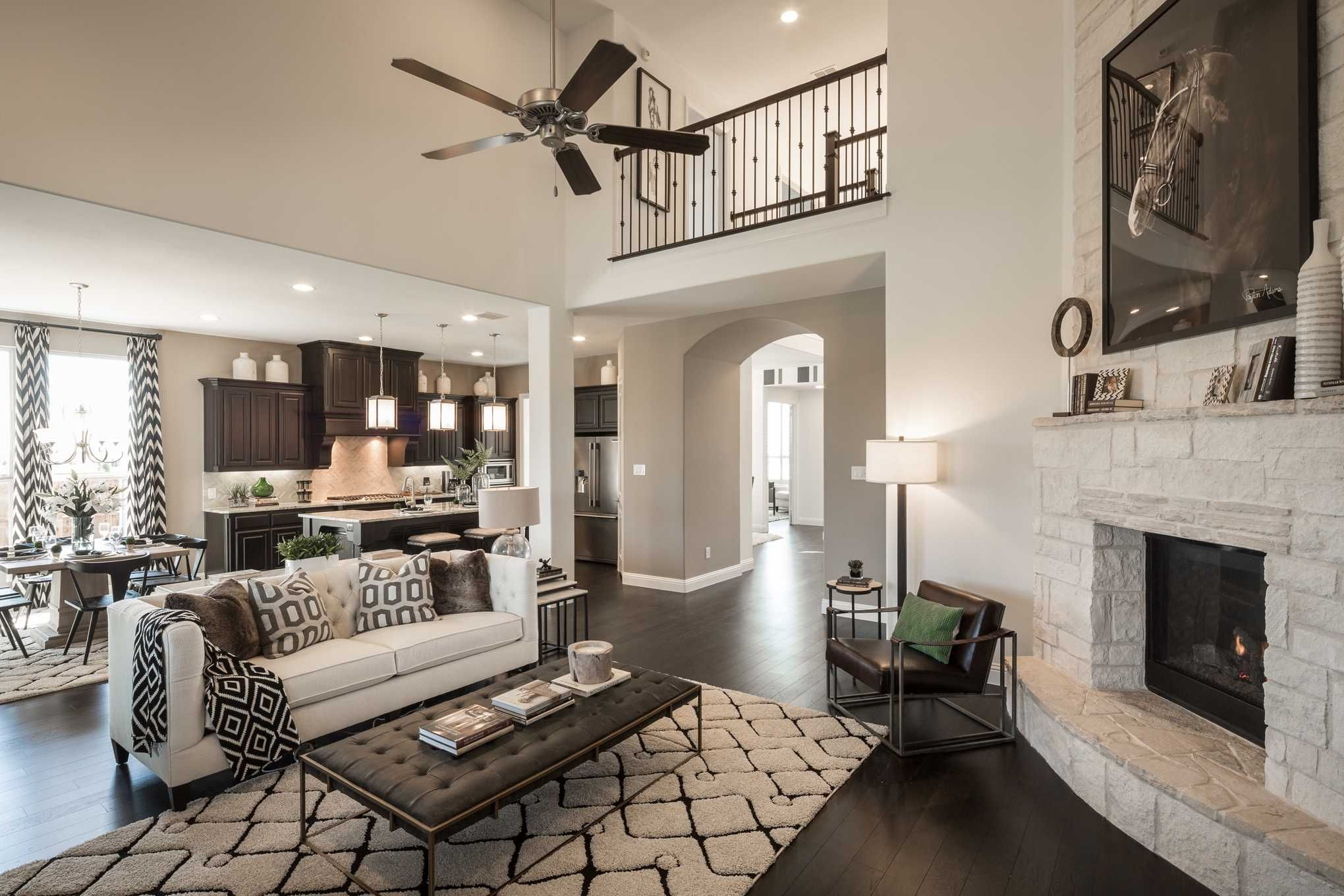 Highland Homes Plan 267 Model Home In Dallas Fort Worth Texas Mustang Lakes 74s Community Livingroom New Home Builders Home Highland Homes