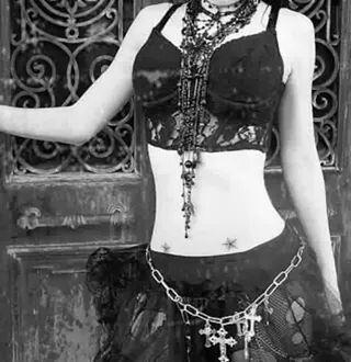 Goth womens fashion. Girls. Goths. Gothic