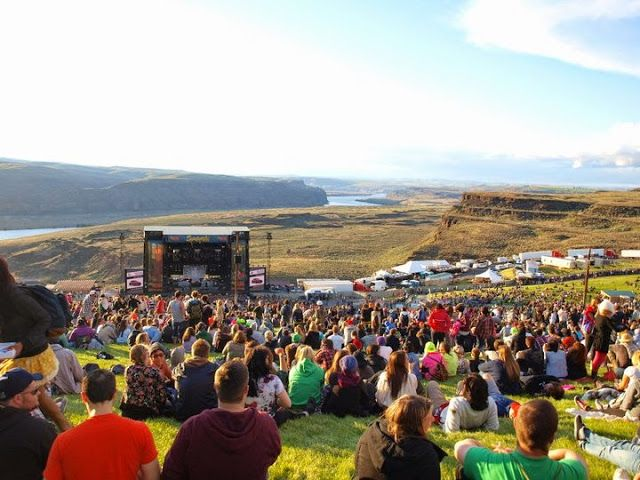 Just posted my Top 10 Music Festival Essentials. Check them at http://www.allisonmmcintyre.com/2015/05/top-10-music-festival-essentials.html #travel #packinglist #sasquatchmusicfestival #musicfestival