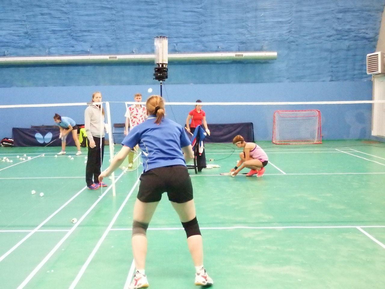 Badminton Machine Badminton Shuttlecocks Sports