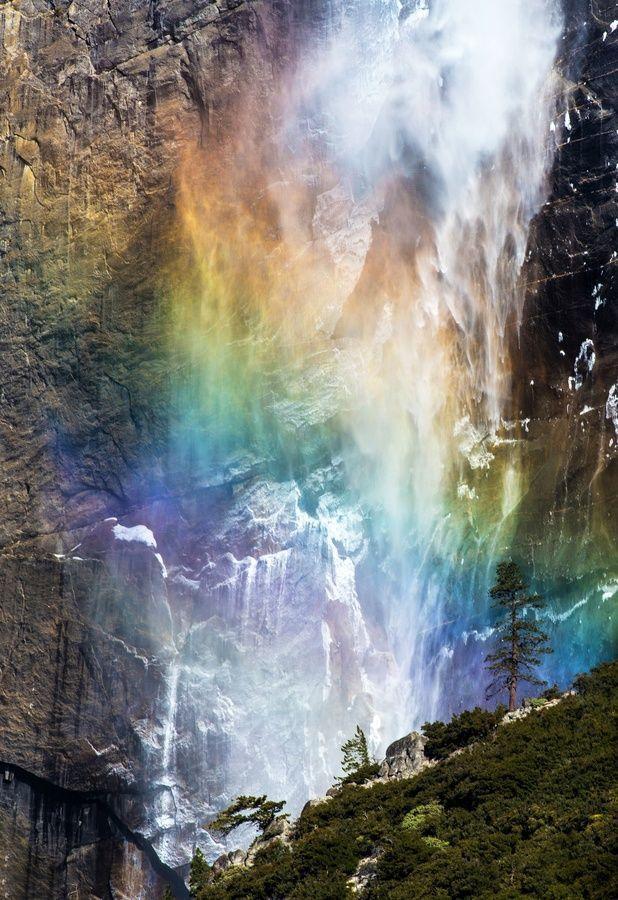 Rainbow Falls - Upper Yosemite Falls, Yosemite National Park, California #rainbowfalls