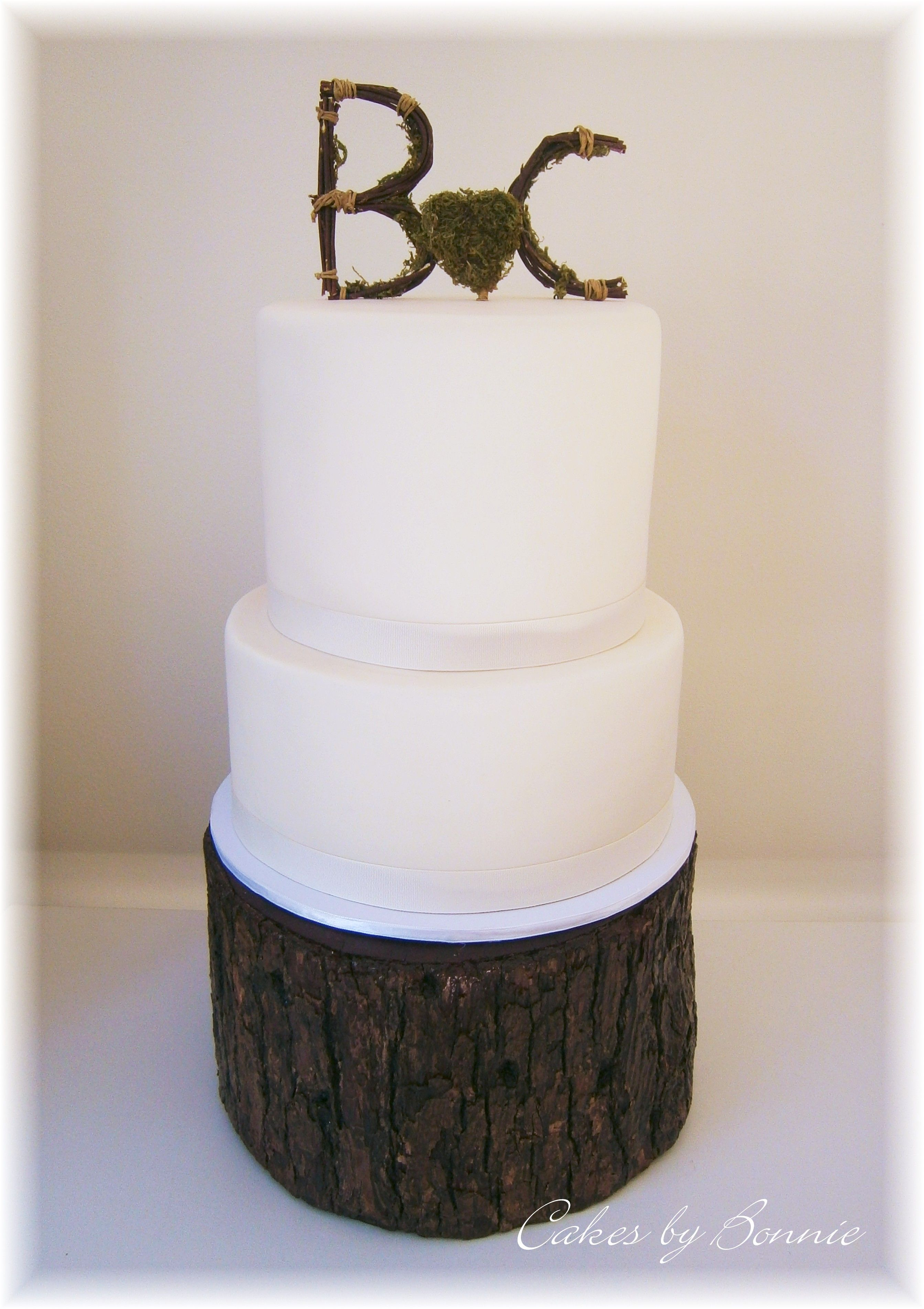 2 Tier Ivory Wedding Cake Stand 3 Cakes By Bonnie