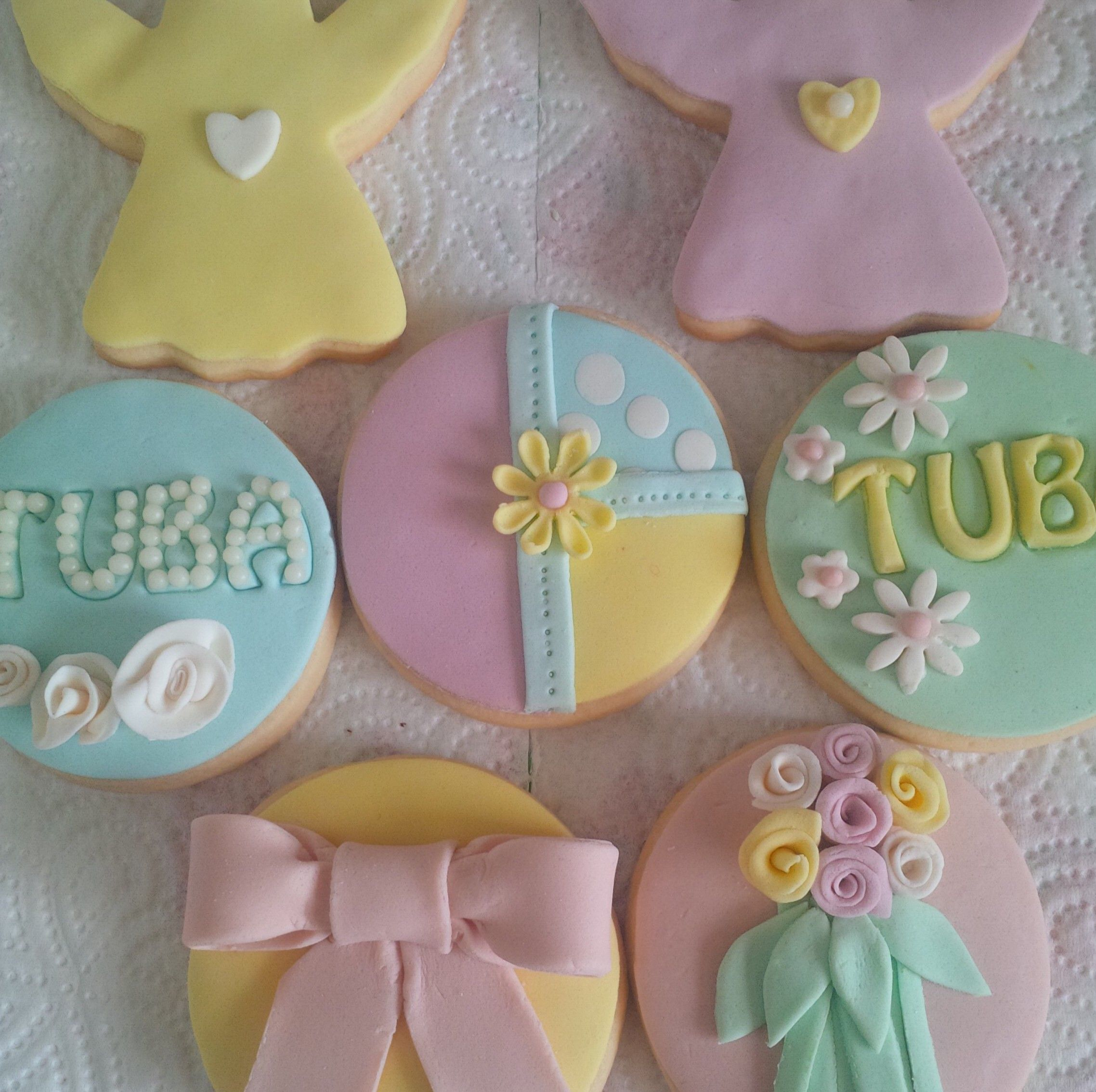 welcome baby gift cookies