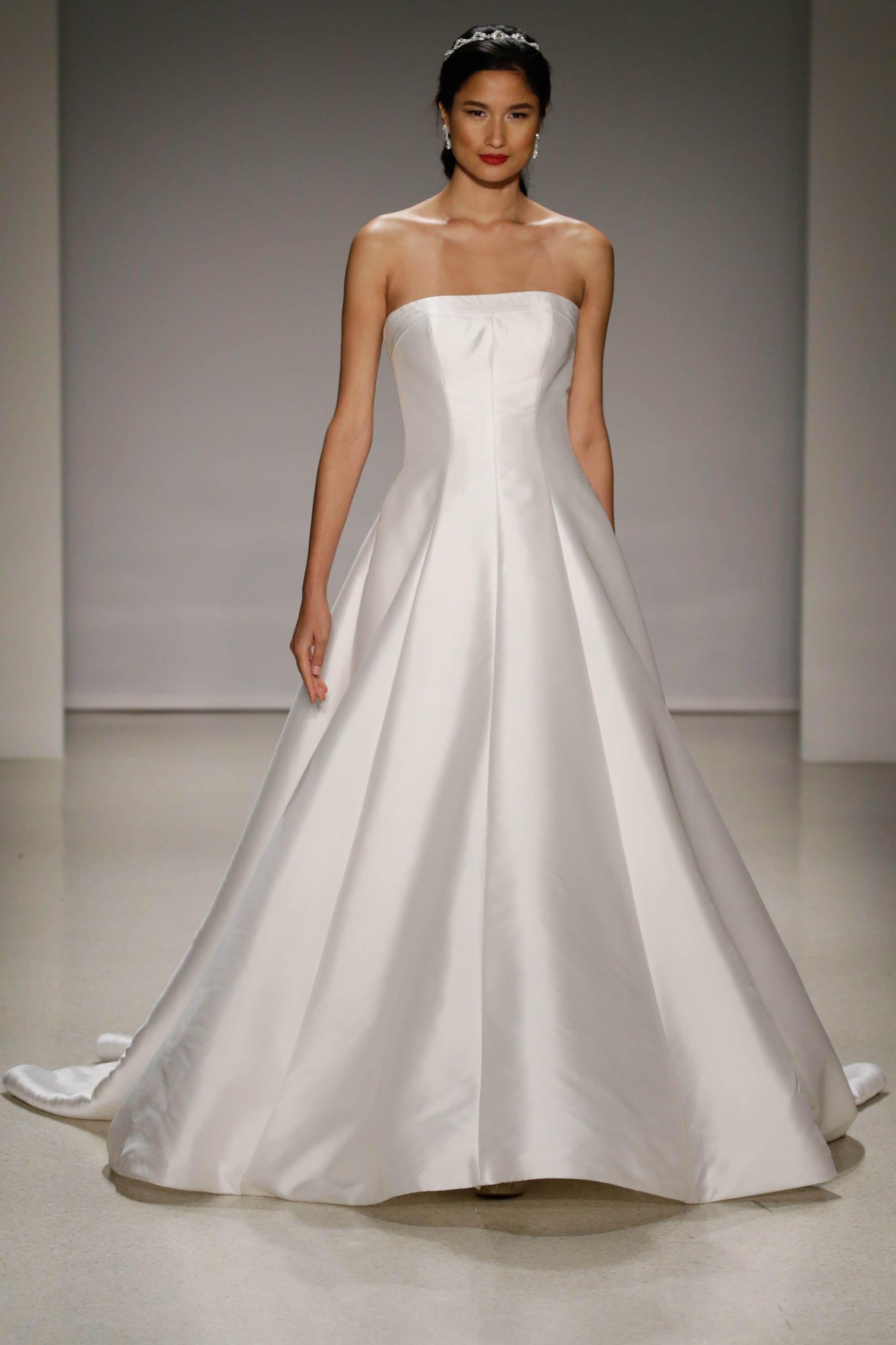 Sleek and sophisticated ball gown wedding dress | Someday My Prince ...