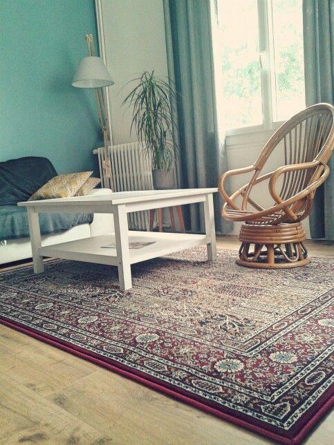 Salon scandinave et tapis oriental