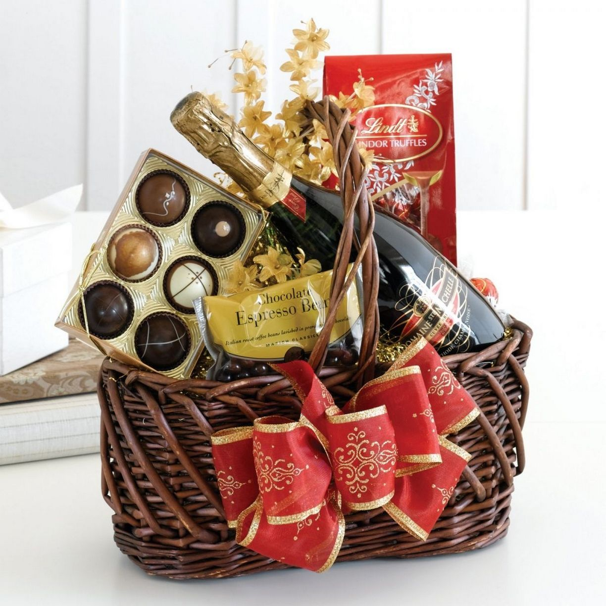 60 Awesome Easy Diy Christmas Gifts Ideas In 2020 Christmas Gift Baskets Diy Christmas Gift Baskets Family Gift Baskets