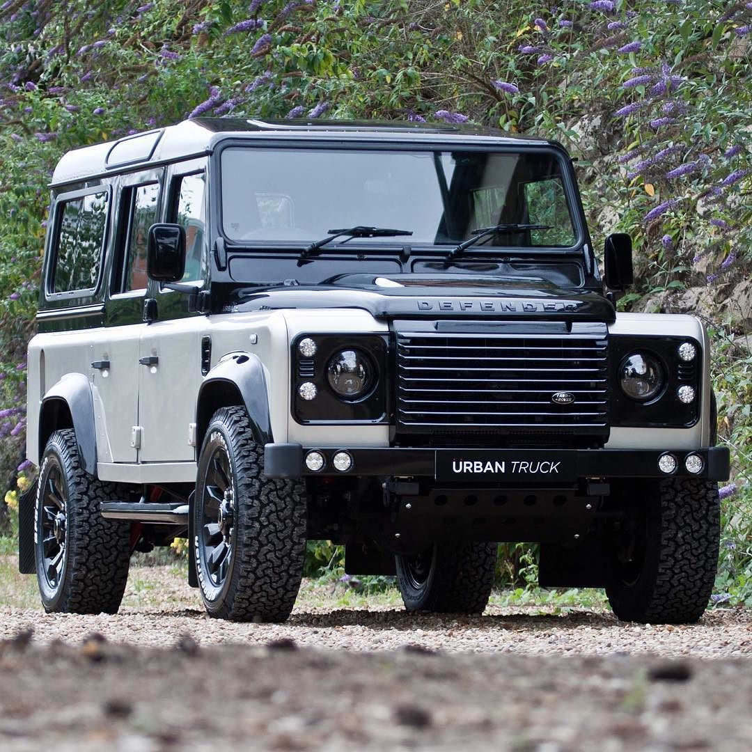 Land Rover Defender 110 Custom Colour Changes To A