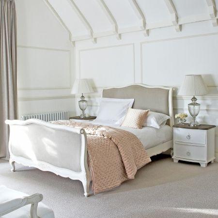 Classical White Raffaella Bed