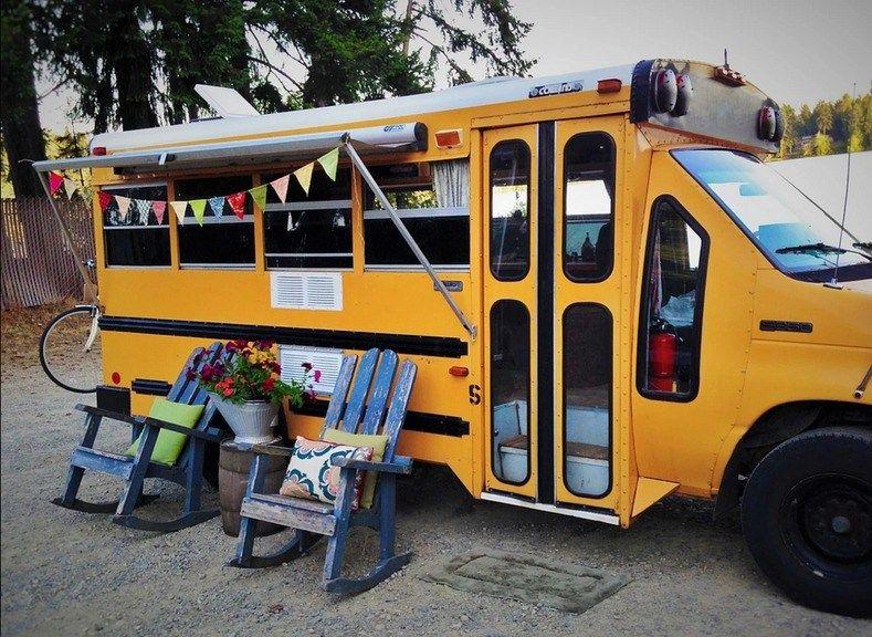 Minette Short Bus Conversion By Von Thompson Creative Short School Bus Bus Conversion School Bus Tiny House