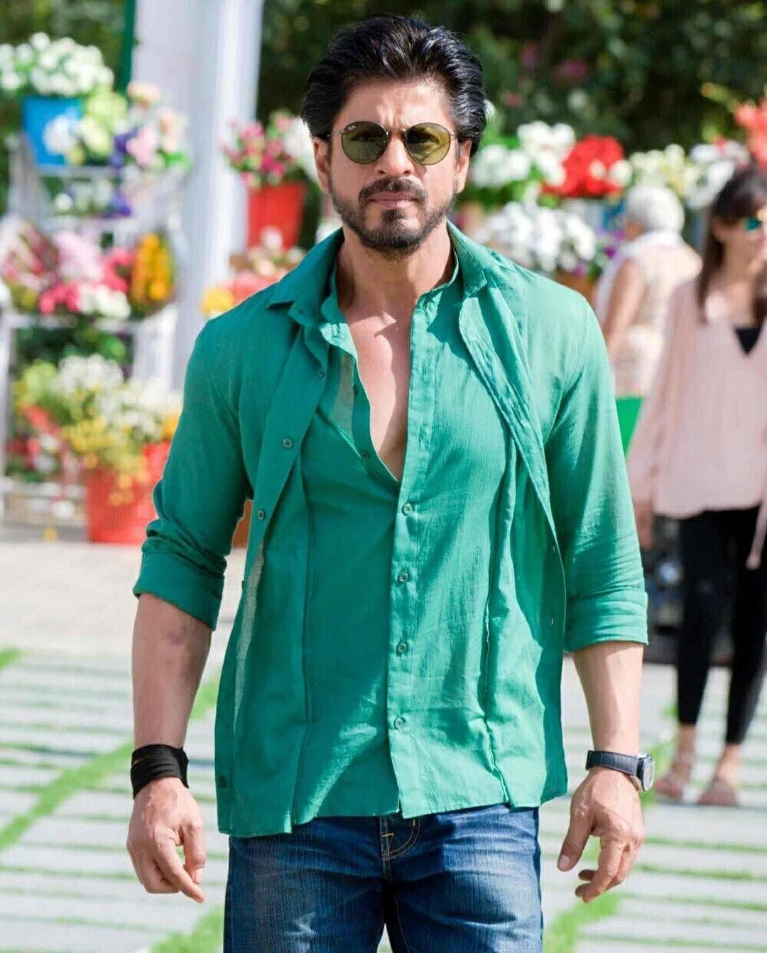 Image result for shahrukh dilwale