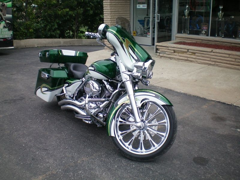 Custom Bagger For Sale Craigslist Harley Bagger Stretched Saddlebags Harley Davidson Street Glide Harley Davidson Harley Bikes