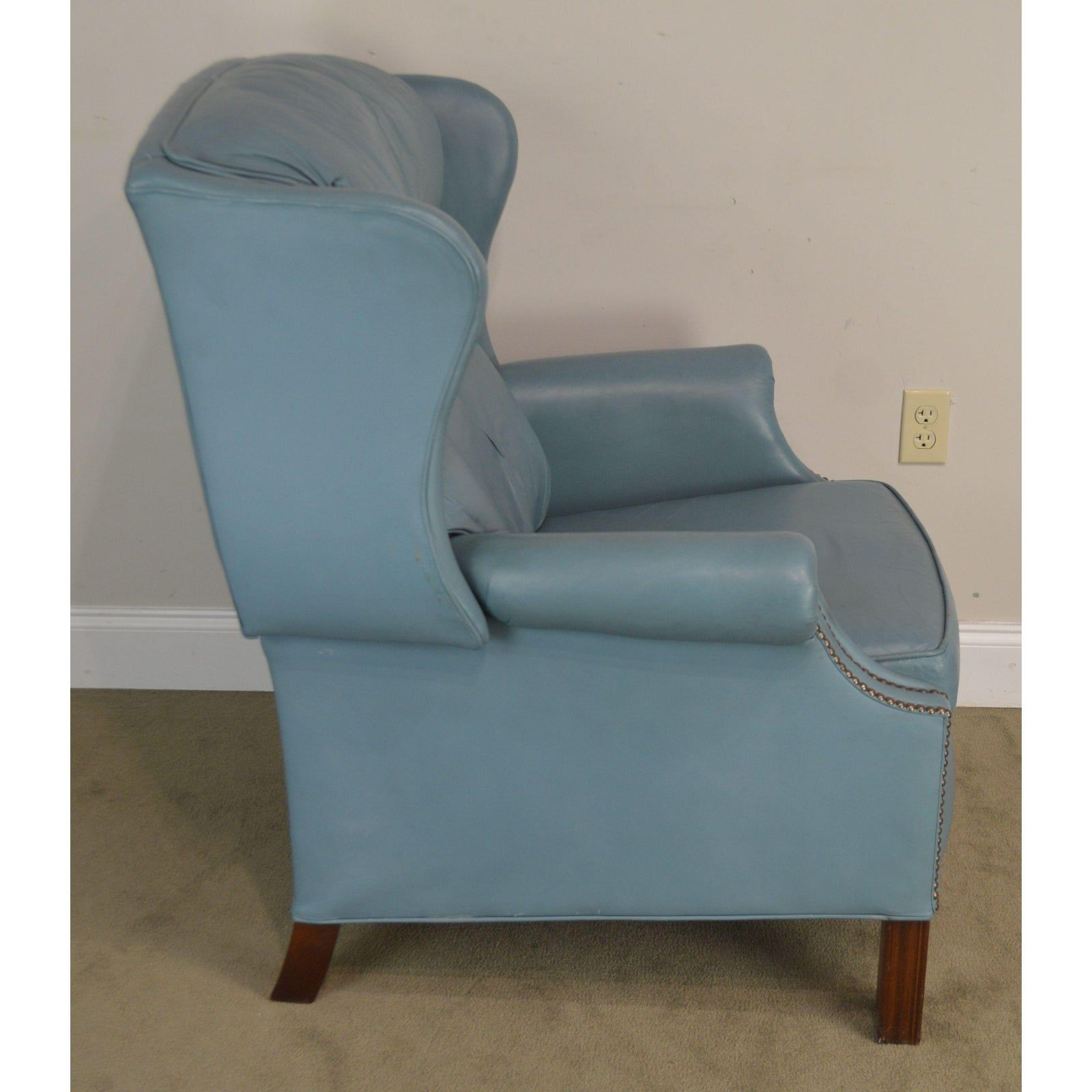 Bradington Young Baby Blue Leather Recliner Chairish Leather Recliner Leather Upholstery Furniture