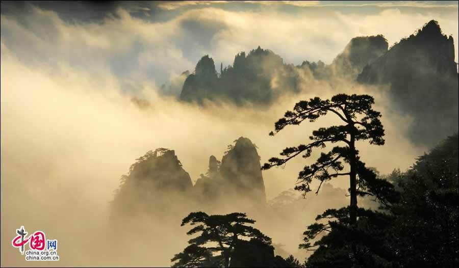 Huangshan's sea of clouds is one of most amazing natural sceneries in China. The Guangming Peak is the best place to view the sea of clouds during sunrise or sunset.  http://www.chinatraveltourismnews.com/2016/09/sea-of-clouds-at-huangshan-mountain.html