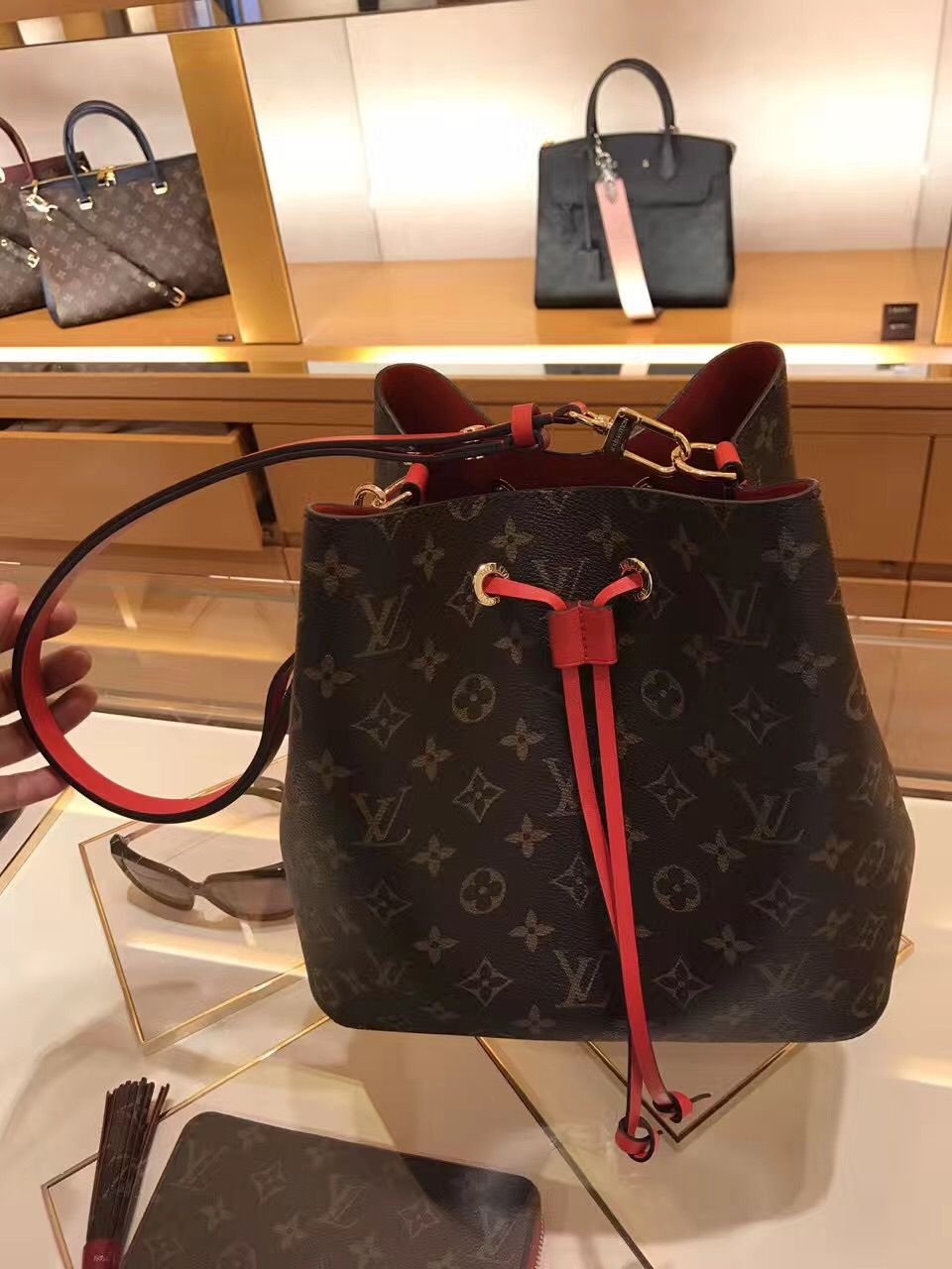 4258f3555961 Louis Vuitton Neonoe Shoulder Bag M44021 Red