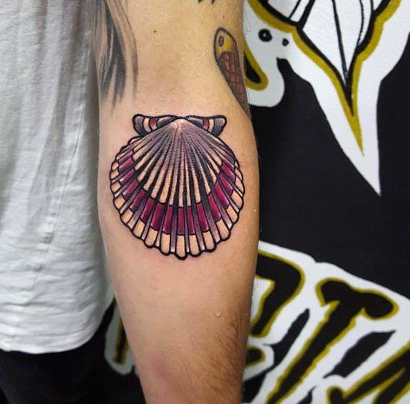 45 beautiful seashell tattoos you 39 ll love scallop shells for Seashell tattoo meaning