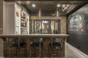 Perfect entertaining lower-level game room includes billiards table, full bar and walk up counter over looking great room.  Also includes its own microbrewery, complete with brew kettles