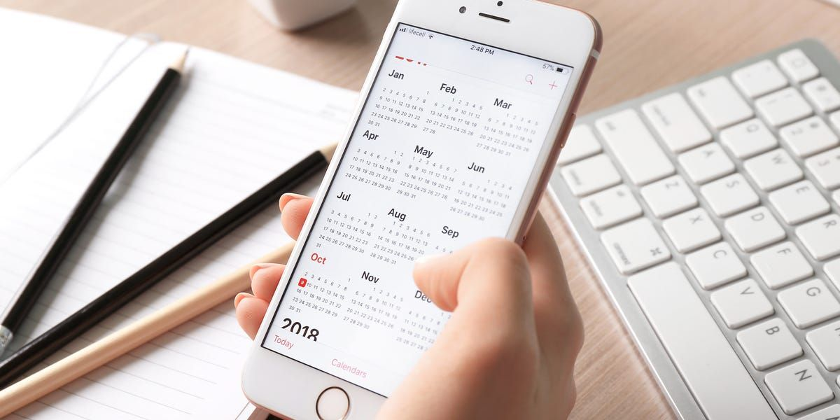 How to add attachments to Calendar events on an iPhone