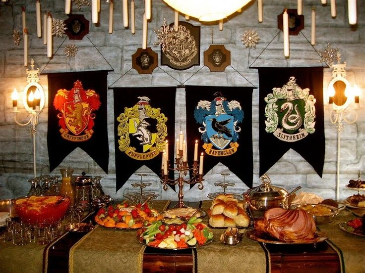 Feast halls hogwart 39 s party great hall feast hp for Christmas hall decorations