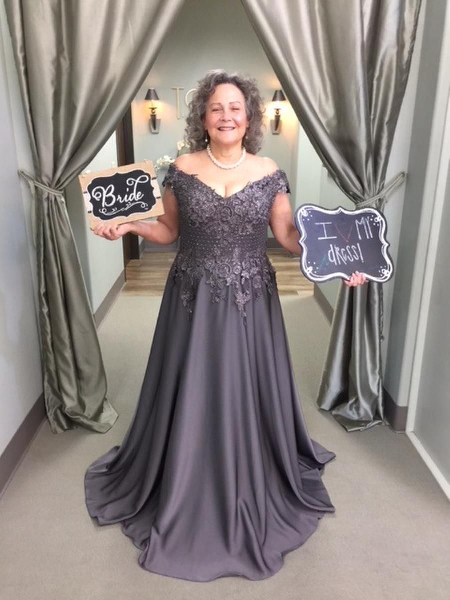 71717 T Carolyn Houston Tx Mother Of The Bride And Groom Formal Wear Prom Dresses Evening Dresses Plus Sizes Gowns Mother Of Groom Dresses Mother Of The Bride Gown Mother Of [ 1200 x 900 Pixel ]