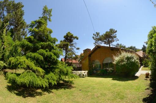 Chalet En Villa Gesell Para Seis Personas Alquileres En Pinamar Carilo Y Villa Gesell Chalet Villa Alquiler