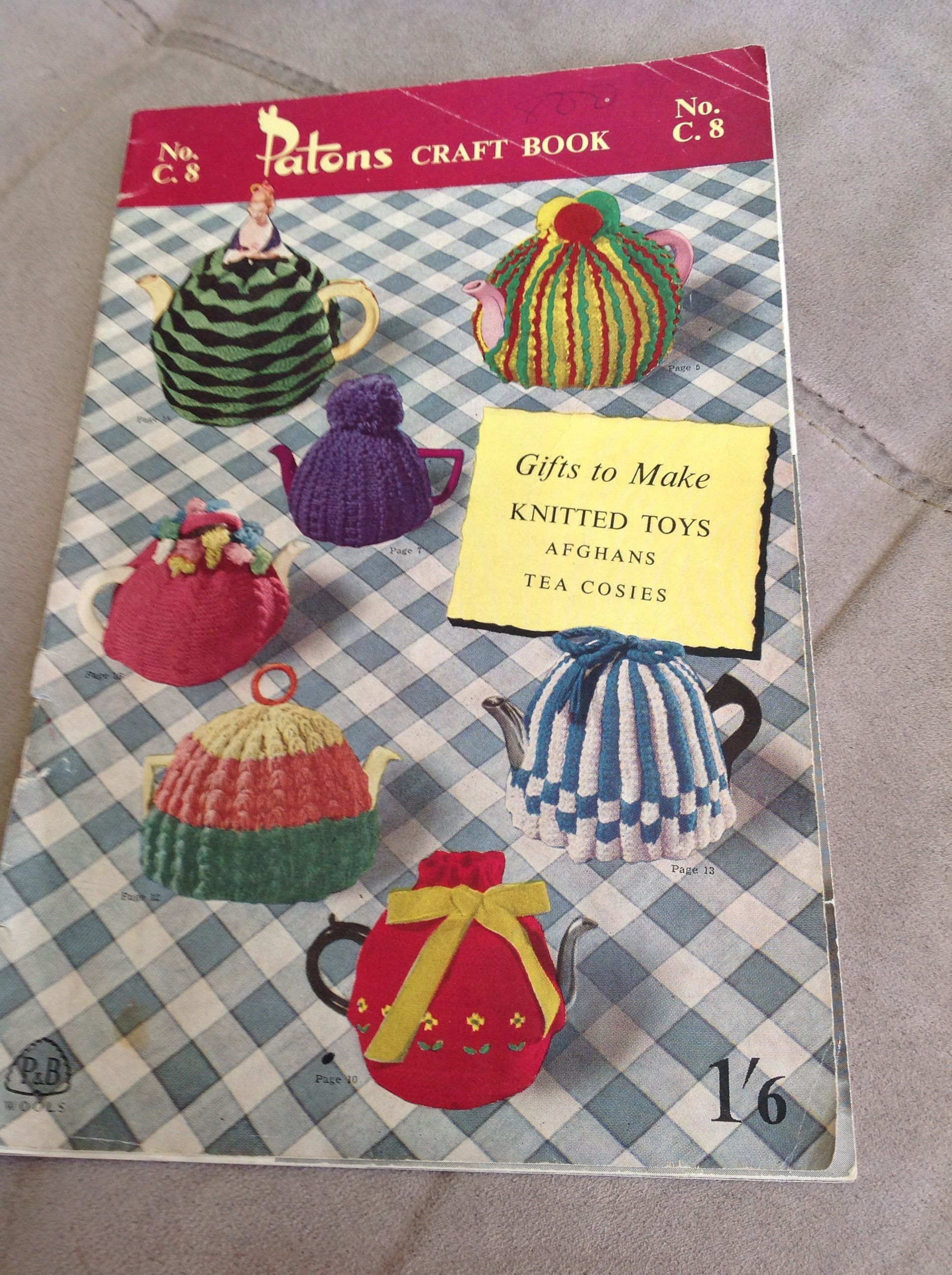 Vintage knitting tea cosy patterns   Tea Cosy Knitting Pattern ...