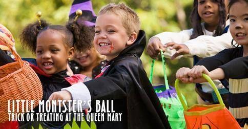 Traiga los pequeños fantasmas y duendes a la bola del pequeño monstruo de Queen Marys Dark Harbor oscuro puerto por invitación familiar Truco-o-Dulce, concurso de disfraces, actividades y juegos ... y una oportunidad de ganar un Maléfica! Pase por el día de Halloween, 10/31 de 4-6pm a unirse a la diversión.  Entradas a la venta en http://di.sn/ixo