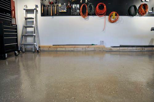 How To Paint An Epoxy Concrete Floor Coating Quikrete Example Concrete Floor Coatings Epoxy Concrete Floor Epoxy Garage Floor Coating