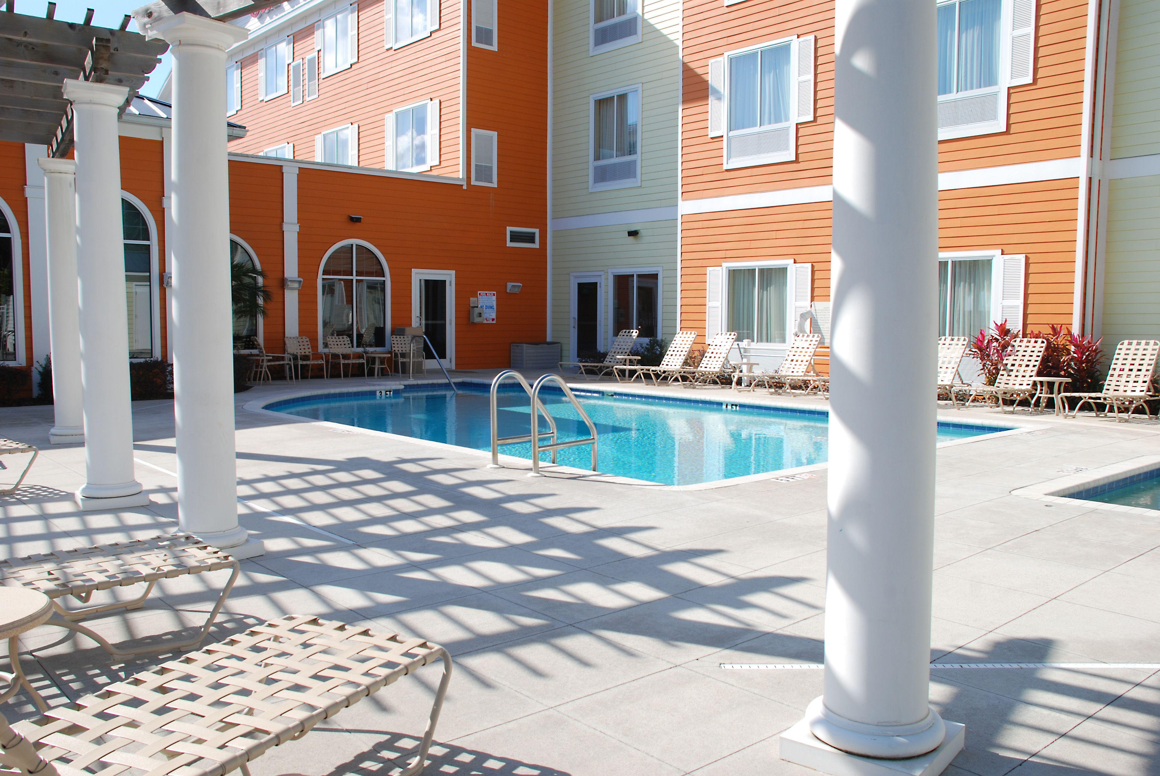 Charming Outdoor Pool At Hilton Garden Inn Lakeland Gallery