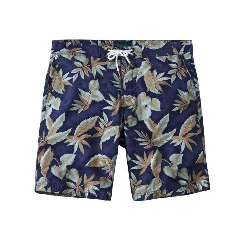 Für die Männer gibt es auch was mit Mustern: Badeshorts im Tropen-Design. Mit farblich abgesetzter Kordel, Schlitz mit Klettverschluss, seitlichen Eingrifftaschen und einer Gesäßtasche mit Reißverschluss.
