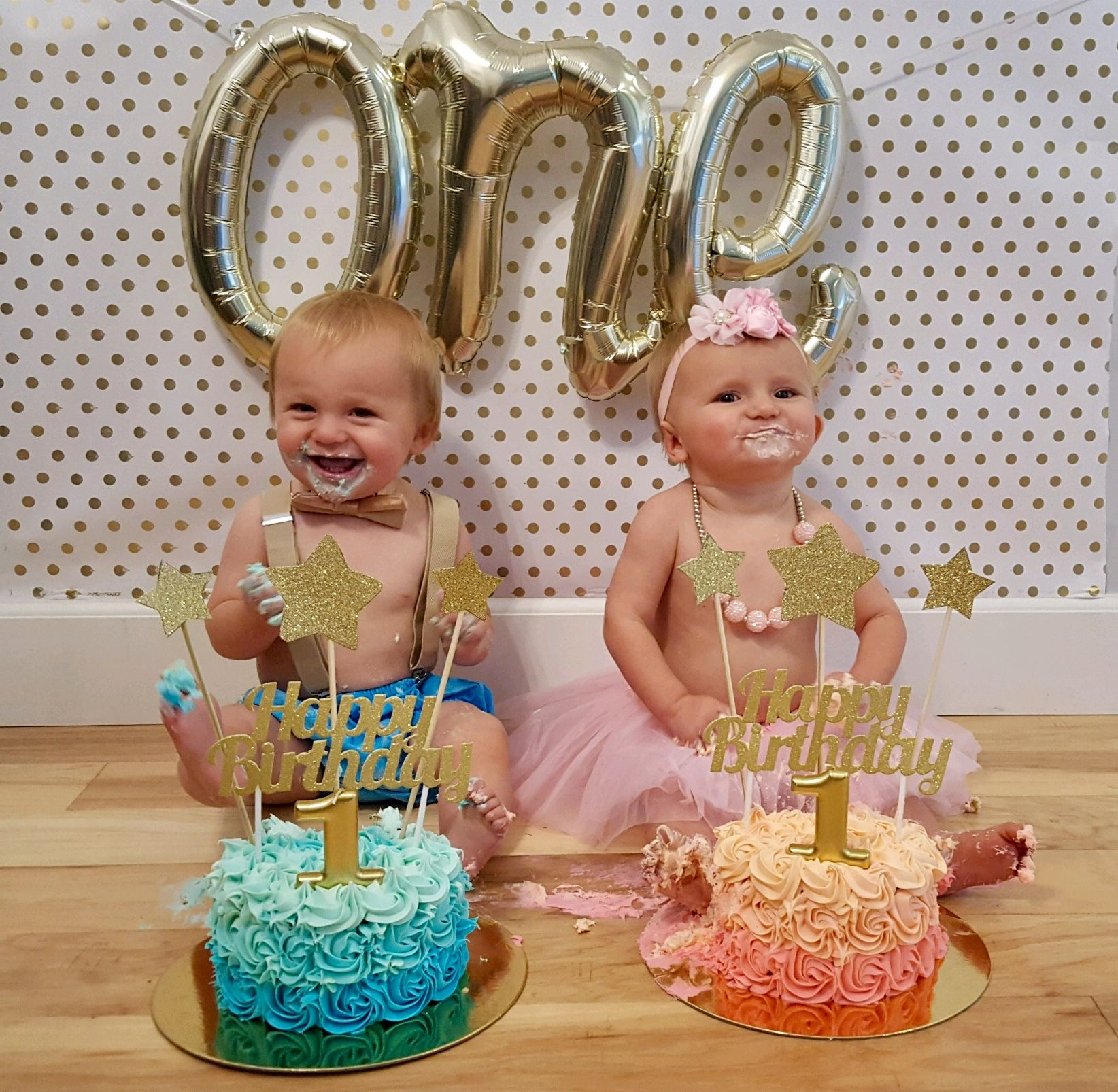 One Year Old Twins Cake Smash Twin Birthday Cakes Twins Cake
