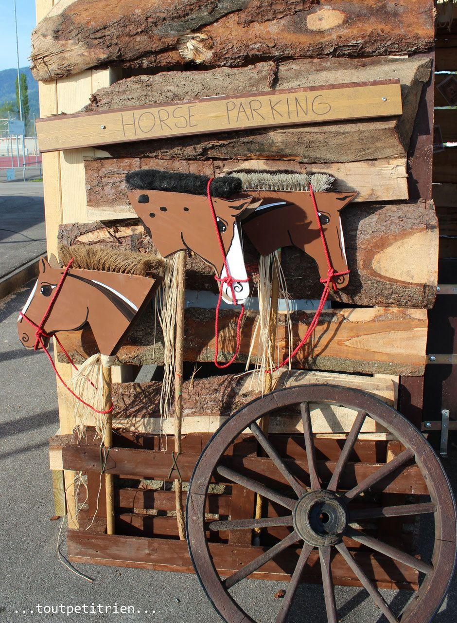chevaux horse parking pour d co far west recyclage de. Black Bedroom Furniture Sets. Home Design Ideas