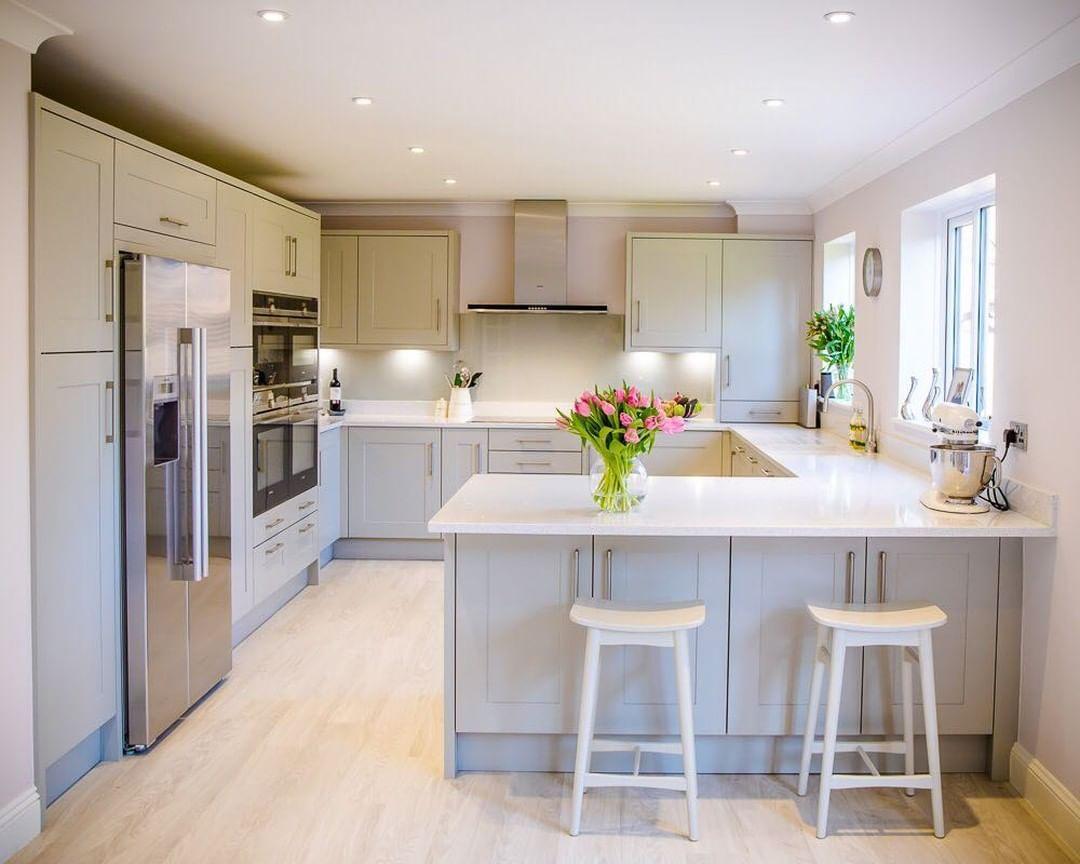 """Photo of evoke kitchens & bathrooms ltd on Instagram: """"Modern take on a shaker kitchen #evokekb #paintedshaker #evoke #evokekitchens #kitchens #kitchendesign #greykitchen"""""""