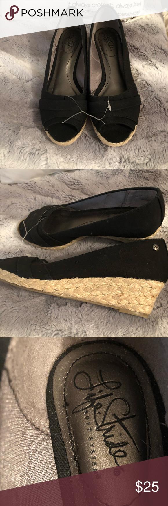 New Boutique 🌹Black Espadrilles New Boutique 🌹Size: 6W🌹Color: Black🌹Fabric upper🌹Brand: Life Stride🌹1.5 inches Height Life Stride Shoes Espadrilles