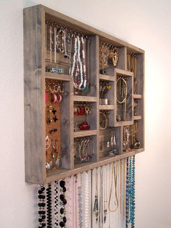Jewelry organizer display case wood wall art kleine ideen f r zuhause pinterest - Schmuckhalter basteln ...