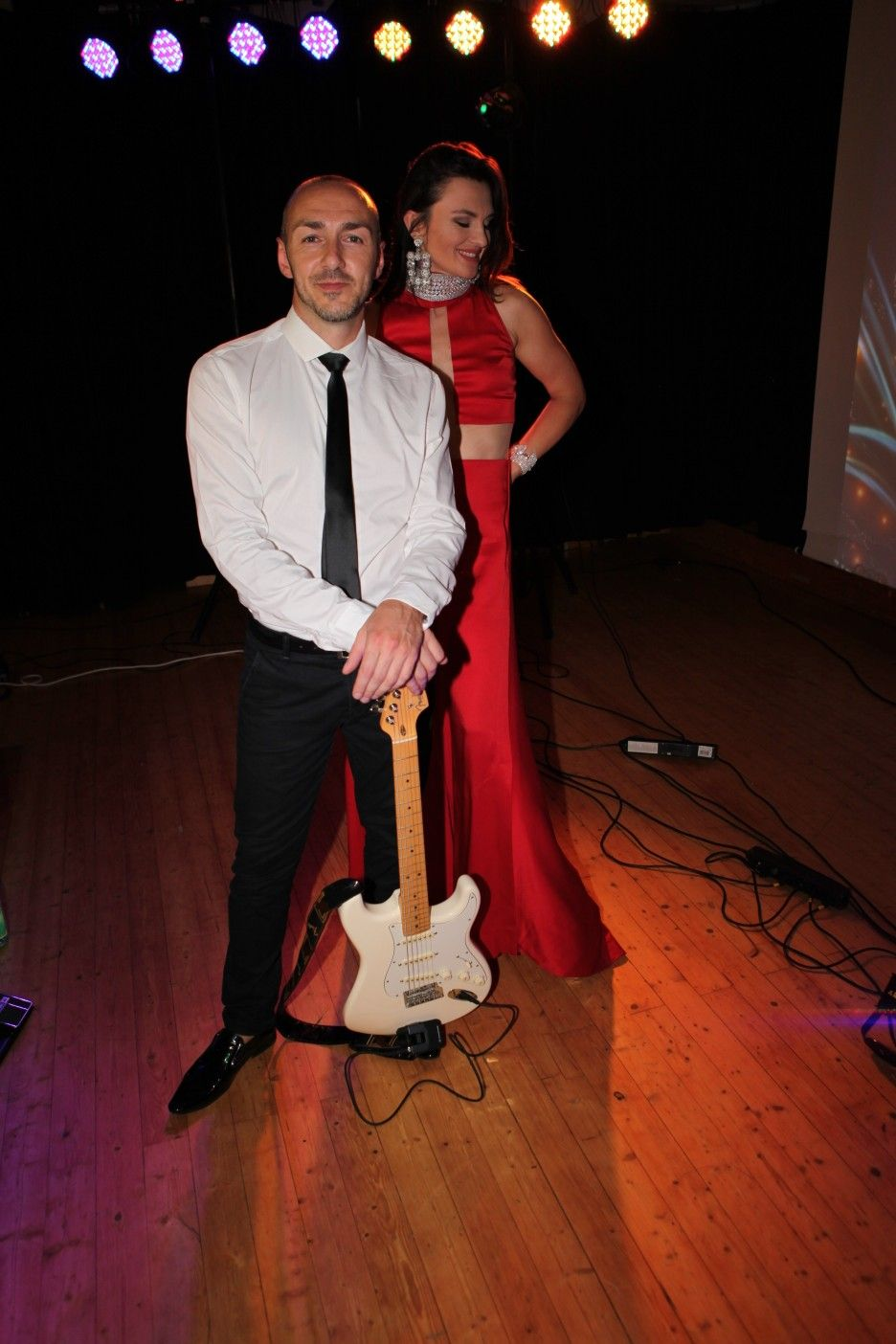 Showbandadrenalin Russischehochzeit Russwedding Saxplayer Geigeshow Musikband Partyband Hochzeit Hochzeitsband Adrenalinband C Mit Bildern Veranstaltung Hochzeit Feier