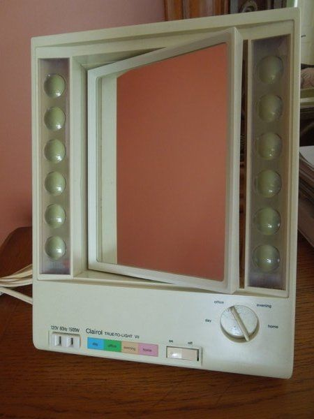 Clairol True To Light Mirror Lighted Make Up Front Outlet Lm Vii 7