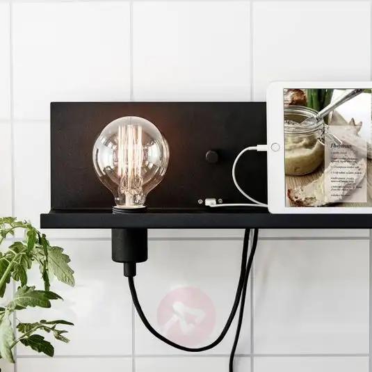 Lampa ścienna Multi USB, z gniazdem do ładowania w 2020