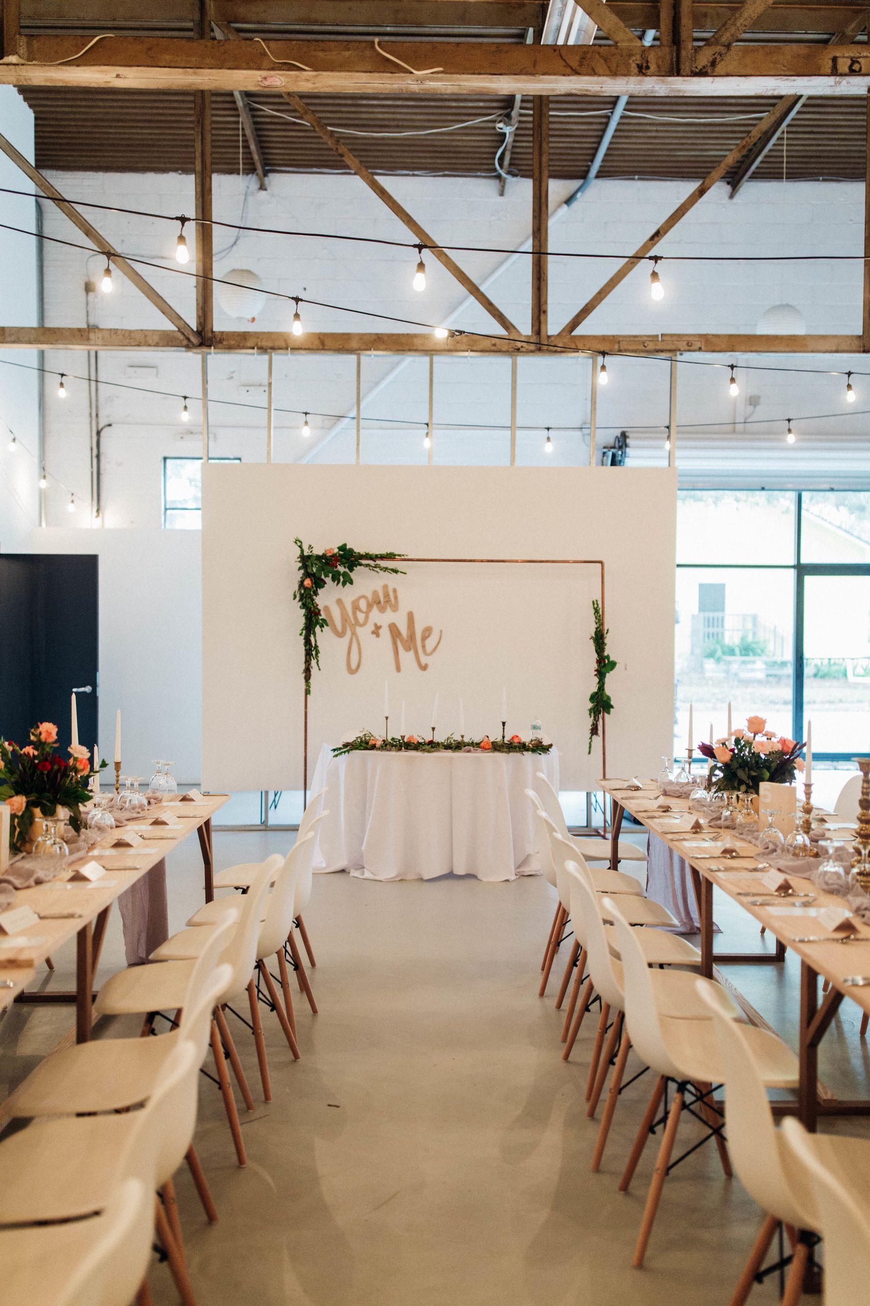 Modern Wedding Venue Six Hundred King Jacksonville Fl Industrial Warehouse Photo By Christina Karst Photogr Modern Wedding Venue Space Wedding Venues