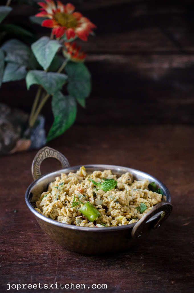 Muttai Nandu Podimas | Egg & Crab Meat Bhurji