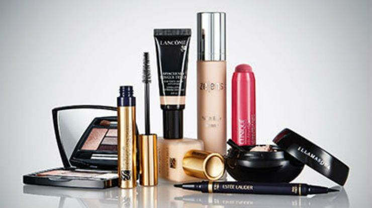 Premium Cosmetics Market, by Distribution Channel, Product