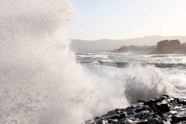 Taking photos by the sea in #Cervo - #Liguria - when suddenly a wall of water rose up on the left of my jacket, head, shoes and Canon. In less than one second I was absolutely washed. More pics of that day here http://www.liguriainside.it/it/2012/04/19/u-lavastrun/