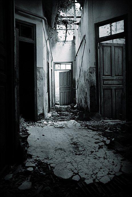 la maison hant e haunted houses pinterest maisons hant es la maison et lieux hant s. Black Bedroom Furniture Sets. Home Design Ideas