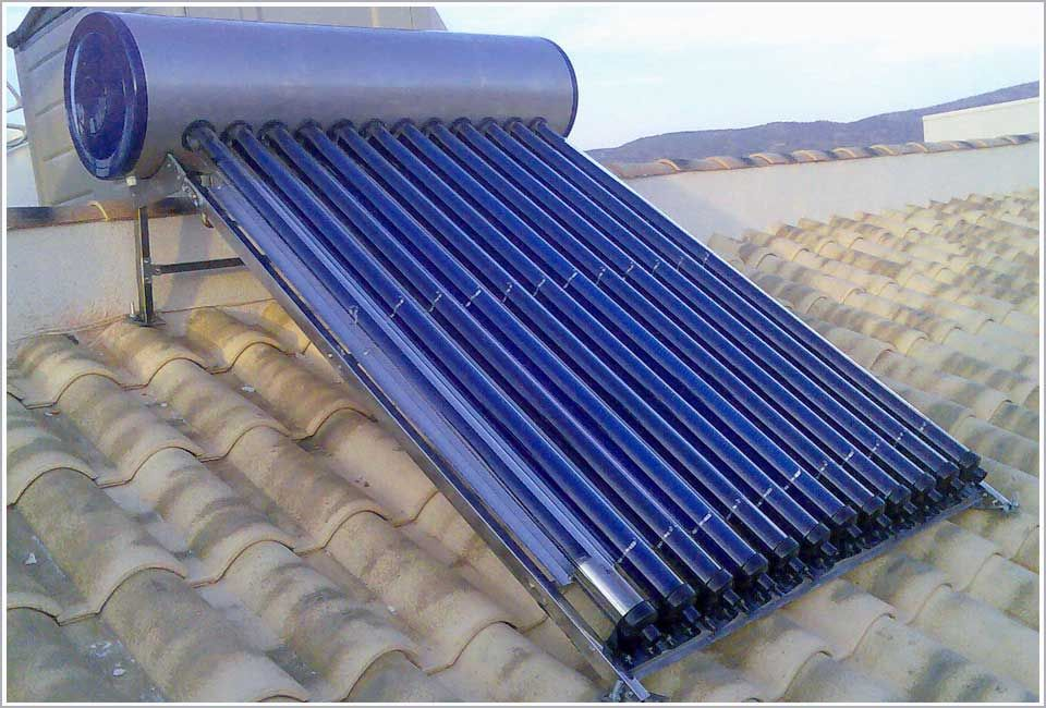 I Get My Hot Water From Solar Panels On My Roof In Uk Water Hotter Now Than Before And Saving On Bills Too Los Equ Solar Energy Roof Solar Panel Photovoltaic