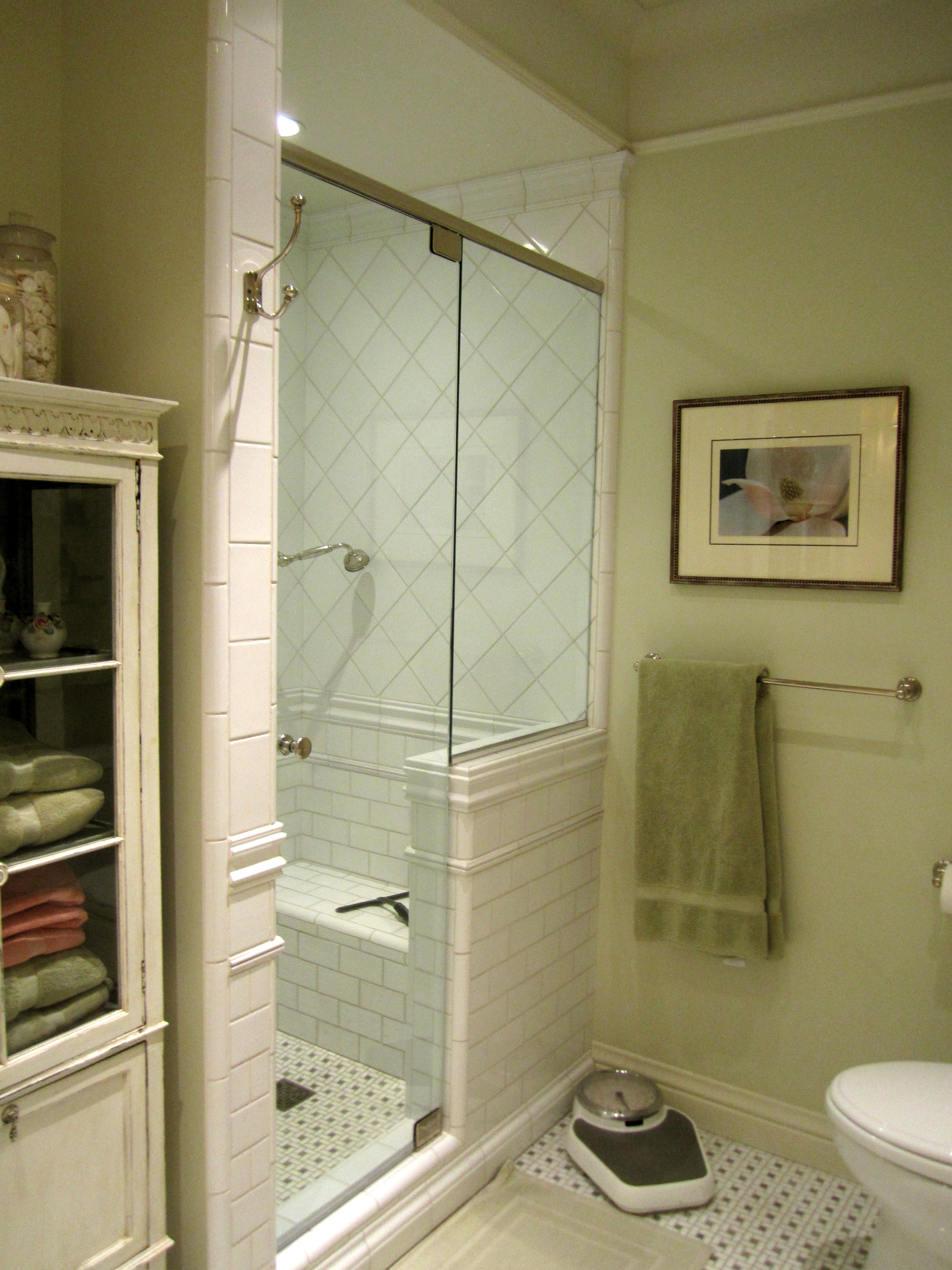 Tile In Shower And Edging Use Marble And White Ceramic Home Decor