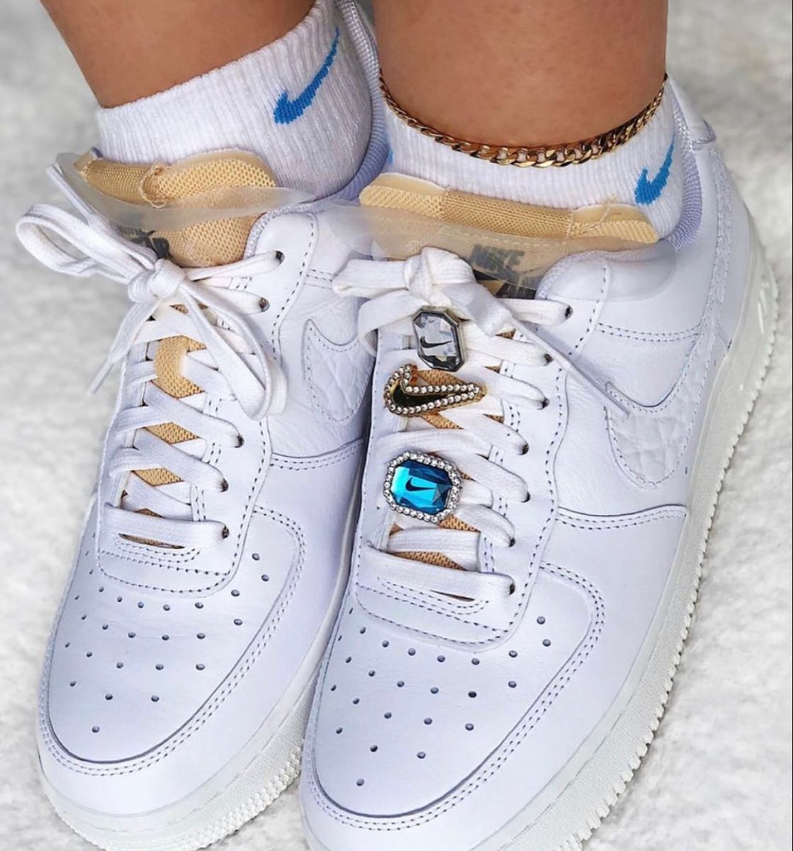 Épinglé par J sur Sneakers | Nike air force, Chaussures de sport ...