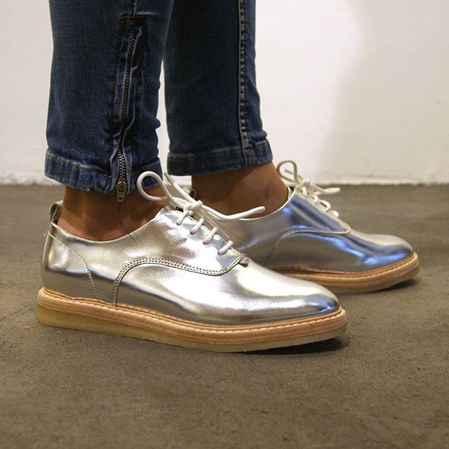 Clarks Empress Lo in Silver Leather  Maat 36  41
