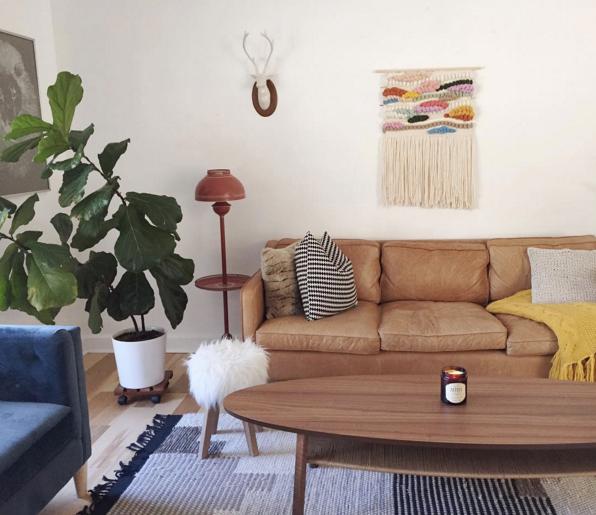 25 Brown Sofas That Don T Make Us Feel Sad Modern Living Rooms