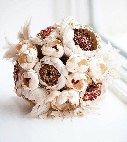 Broach Bouquet #Bouquet wedding-decor
